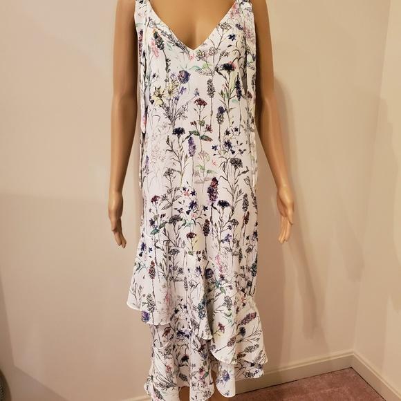 H&M Dresses & Skirts - Beautiful H&M Floral Ruffle/Layered Bottom